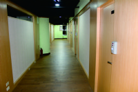 商務辦公室獨立空調租金含:網路/保全/辦公桌椅/咖啡茶飲/稅金_圖片(4)