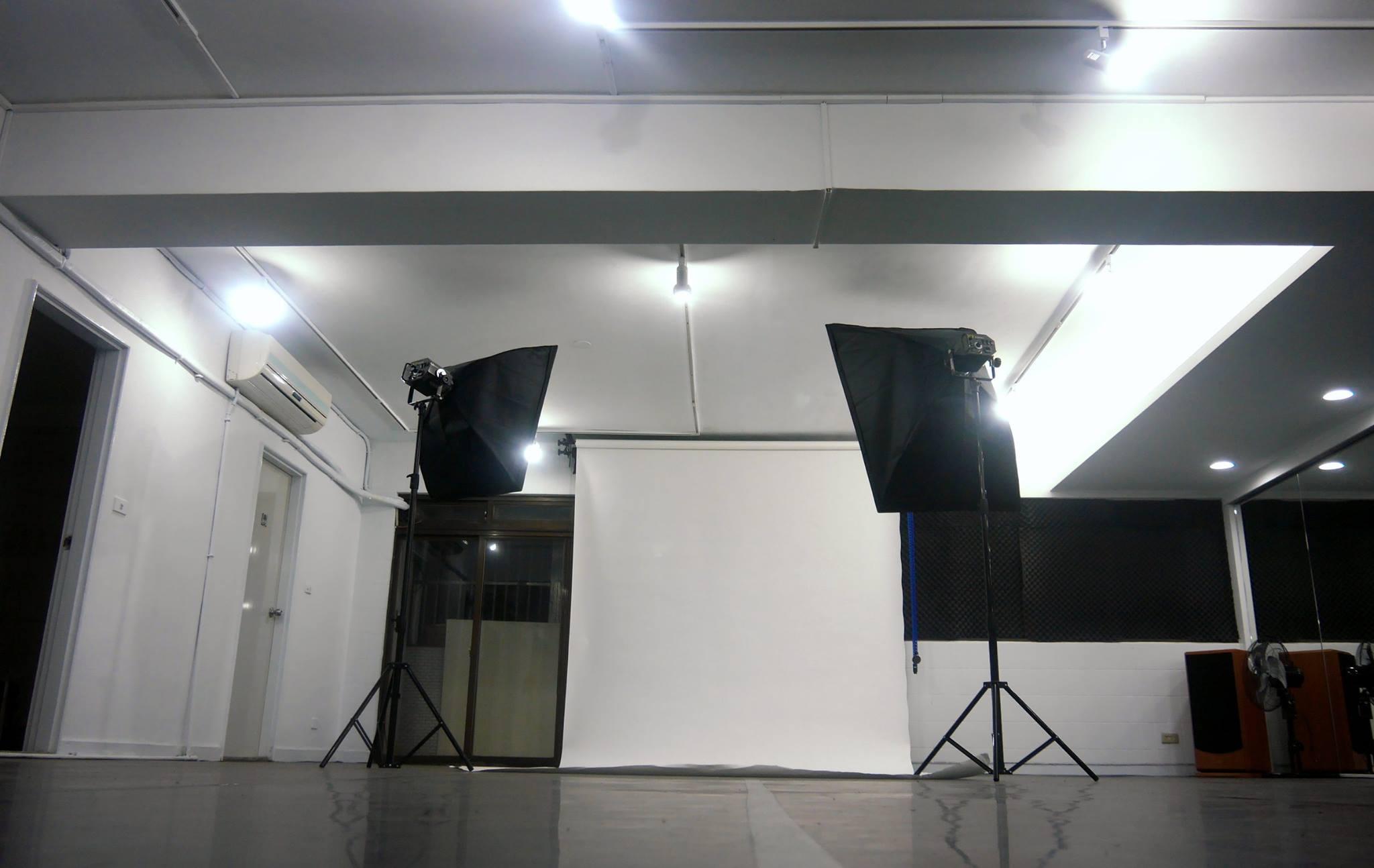 Vaste Studio/西門町空間租借/大型舞蹈教室/攝影棚承租/排練場地/展演空間/30坪/0976517460 - 20150316000151-435450140.jpg(圖)