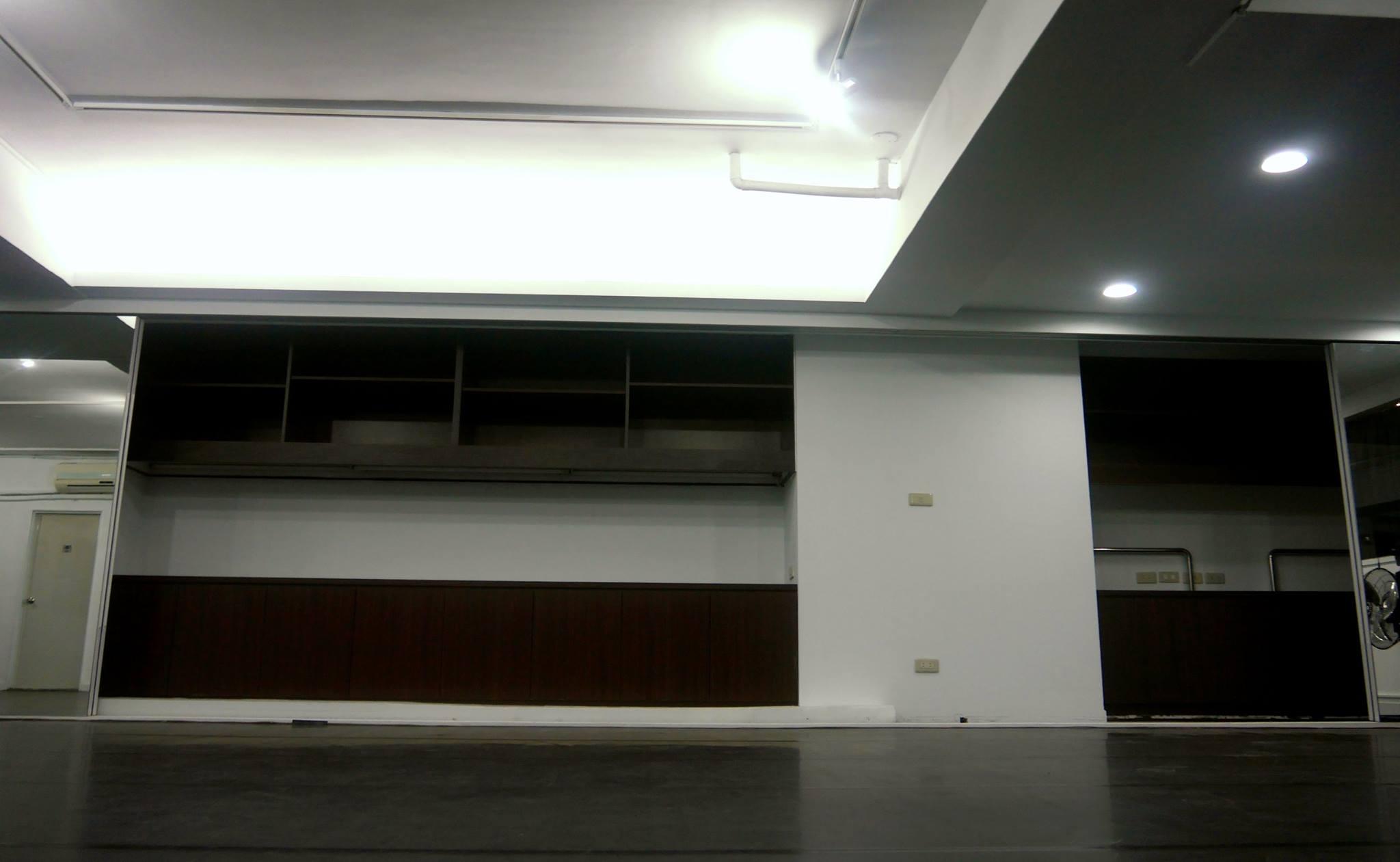 Vaste Studio/西門町空間租借/大型舞蹈教室/攝影棚承租/排練場地/展演空間/30坪/0976517460 - 20150316000151-435455754.jpg(圖)
