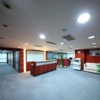 近國父紀念館捷運站,大巨蛋商圈辦公大樓 靠窗 1-2人辦公室出租_圖片(2)