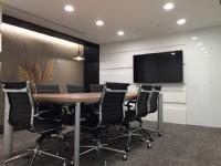 坐享位於捷運出口正上方的地利之便外,更為您提供專業的商務辦公室、個人工作室及工商登記服務。讓您享有全配備且舒適的辦公空間_圖片(3)