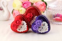 【愛禮布禮】婚禮小物:愛心花朵喜糖盒子, 結婚糖盒(4色混出) 一般價 12 元 會員價 12 元_圖片(1)