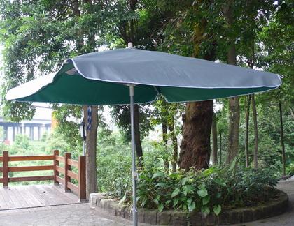 海灘傘,500萬傘,遮陽傘,營業用大陽傘,路邊攤傘,伍百萬大雨傘,戶外太陽傘 - 20080430183402-564610953.jpg(圖)