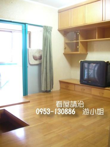 和室裝潢套房 有陽台+洗衣機+雙門大冰箱 家俱電全  - 20090604170540_108828562.jpg(圖)