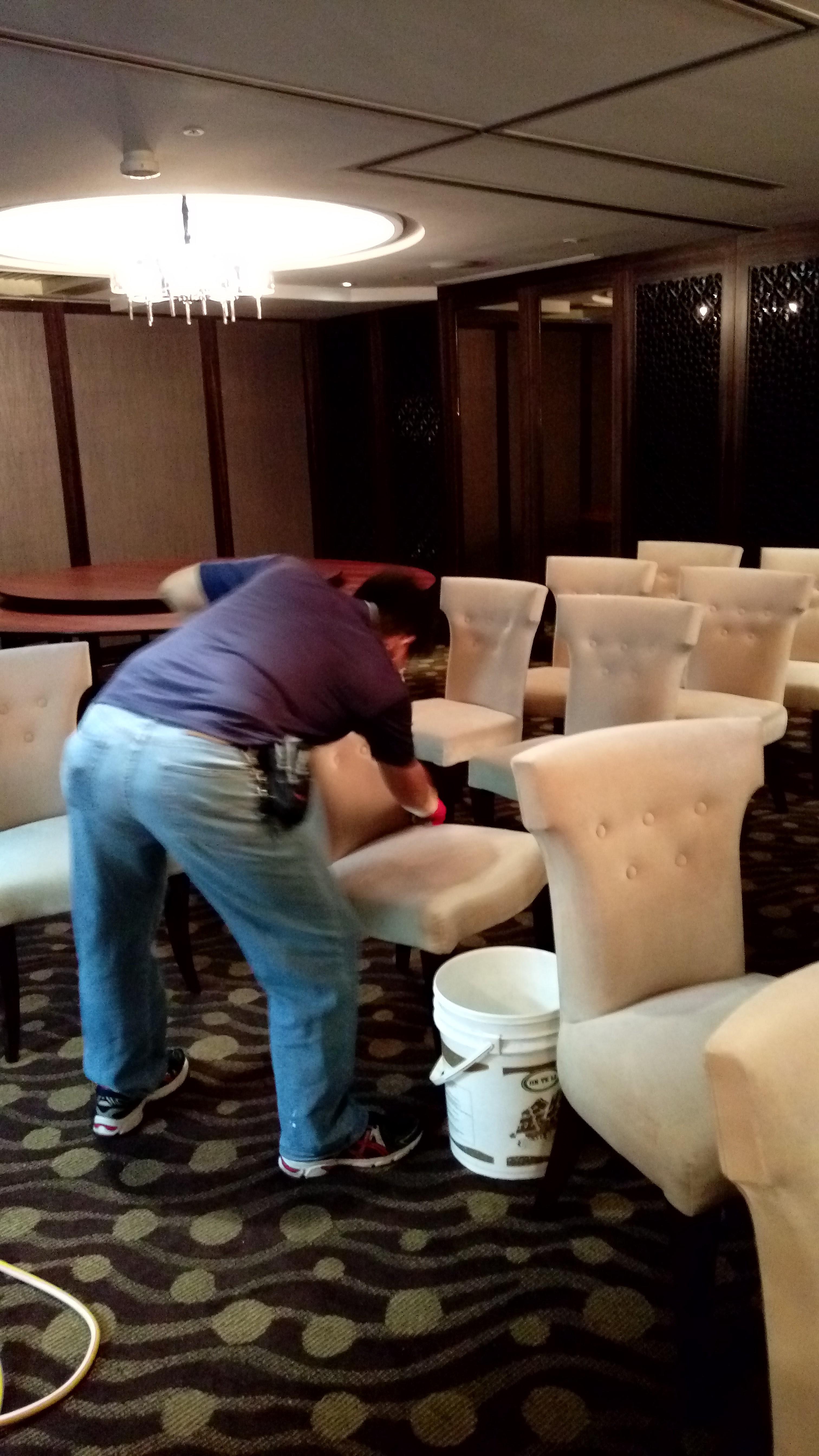 台中昱群OA辦公椅.屏風沙發地毯專業清潔服務-.請洽0986460298-許先生 - 20151110154001-141686439.jpg(圖)