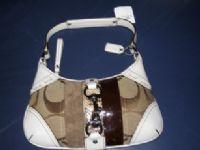 全新COACH 金屬釦環手提包 # F10287 ☆典雅及奢華風並重,悠然表現出成熟氣息.購買價↘6折_圖片(1)
